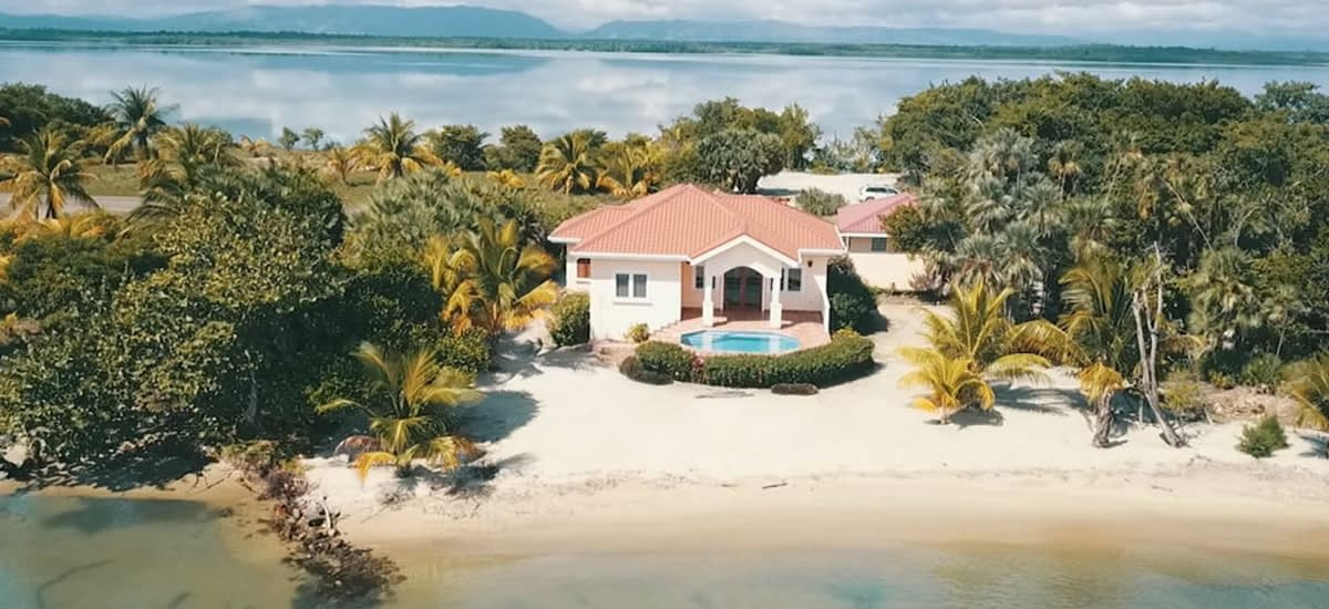 Beach house for sale in Belize