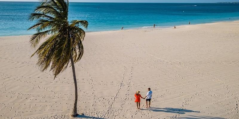 Couple on the beach in Aruba