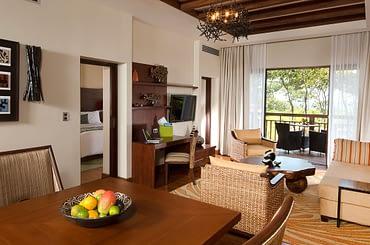 Condos for sale, Tela Bay, Atlantida, Honduras - living & dining room